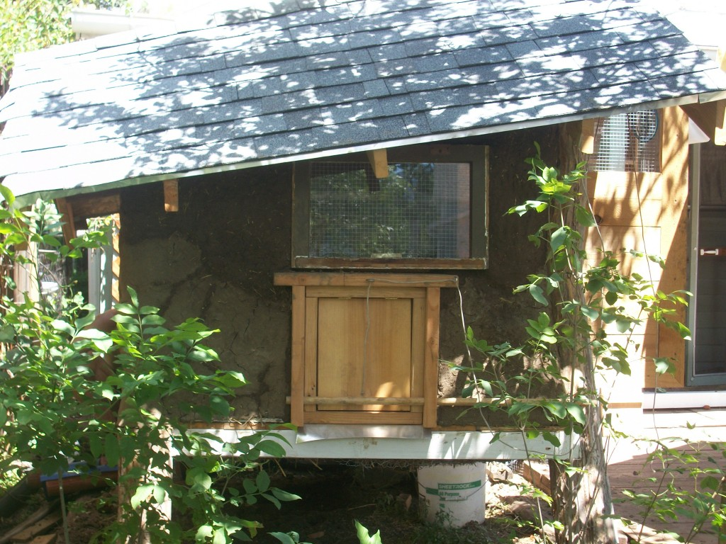 Colorado Cob chicken coop